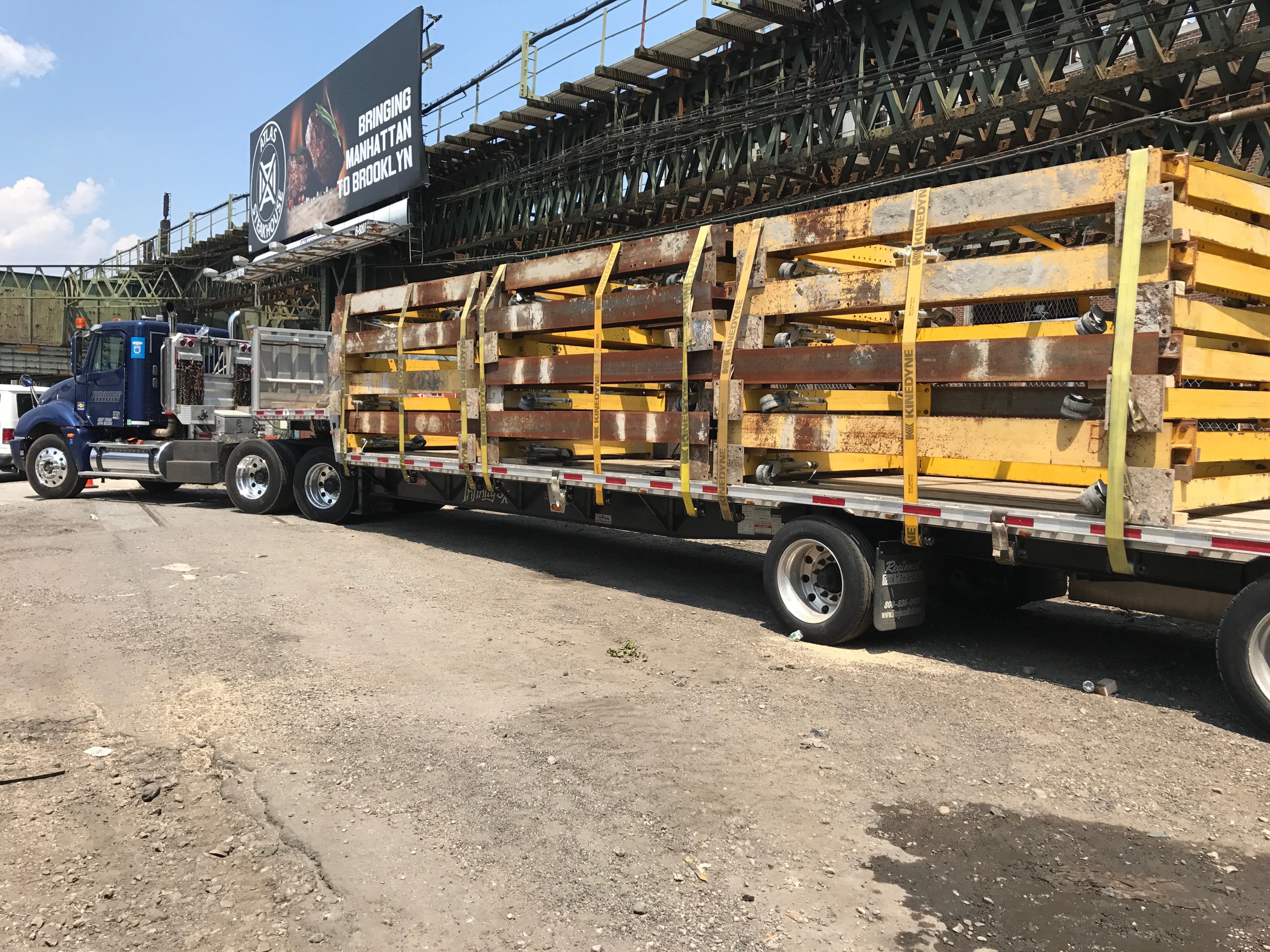 step deck flatbed truck